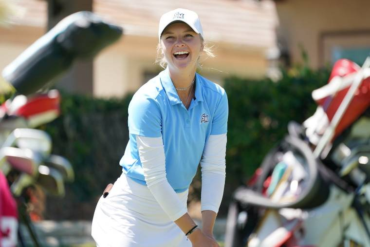 CSUSM Women's Golf Athlete