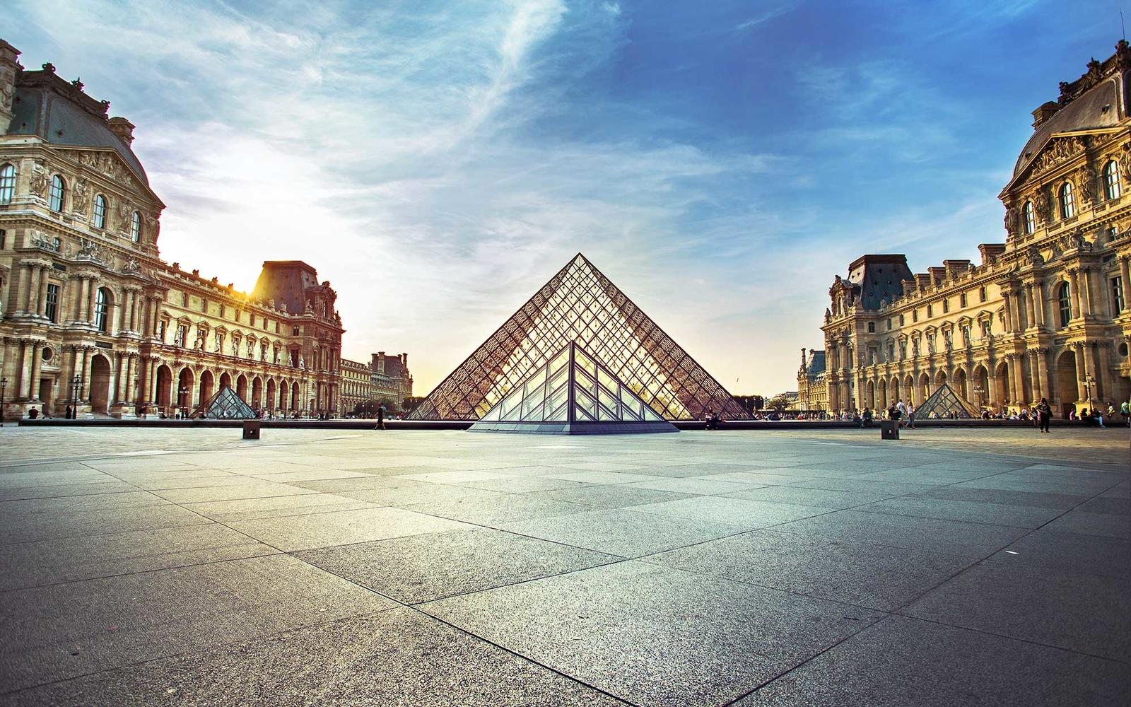 Best bars near the Eiffel Tower | Global Blue  |Paris
