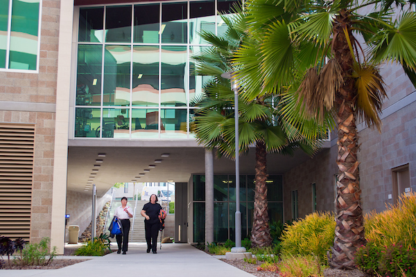 csusm student health and counseling building